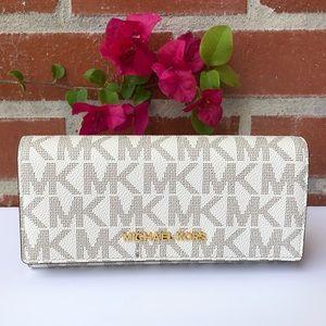 🎀🎀 Women's Michael Kors wallet
